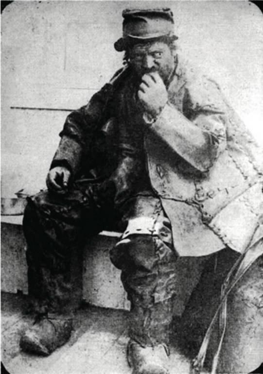 hc-marteka-leatherman-cave-1228-20141224